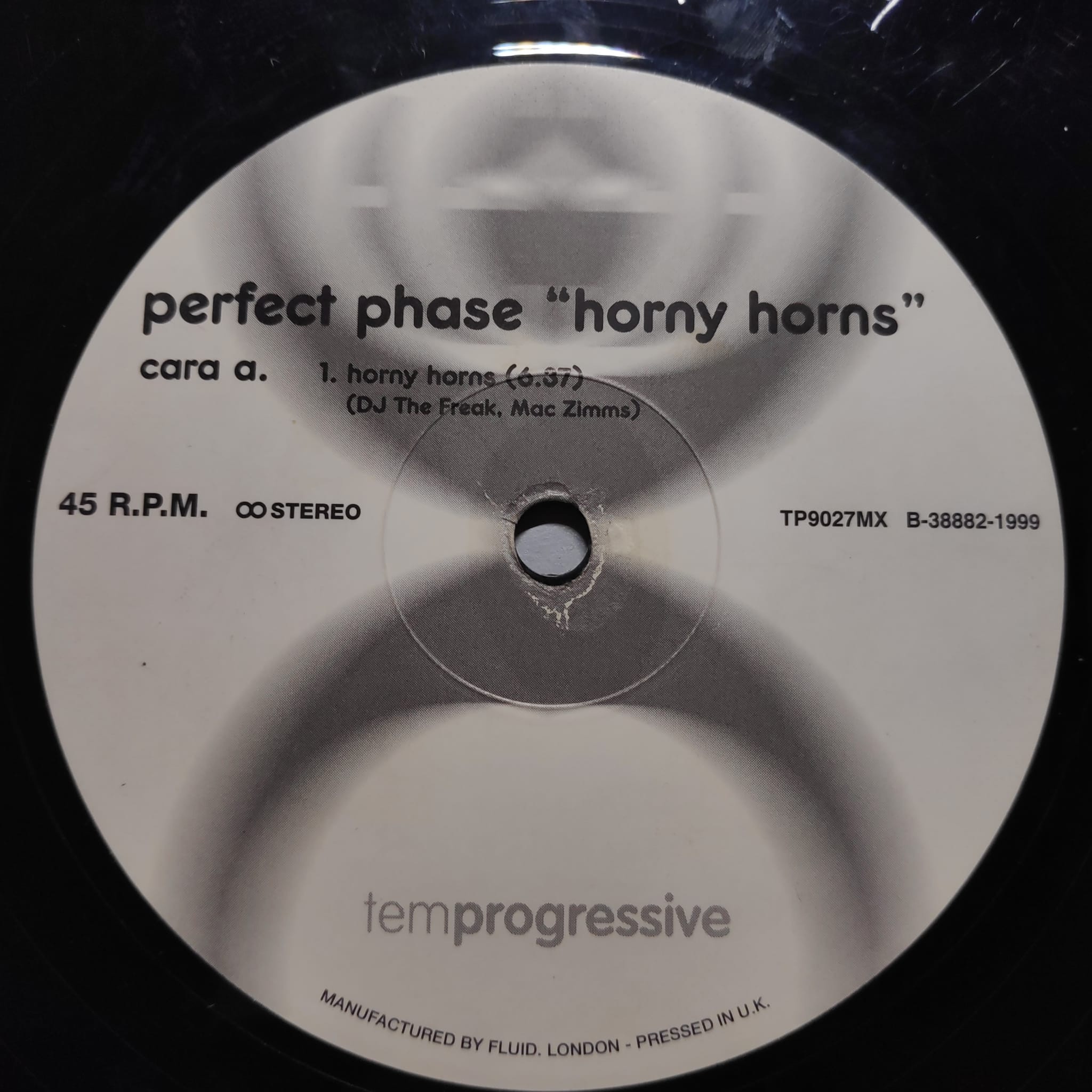 (19226B) Perfect Phase – Horny Horns