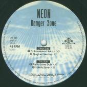 (CM1135) Neon – Danger Zone